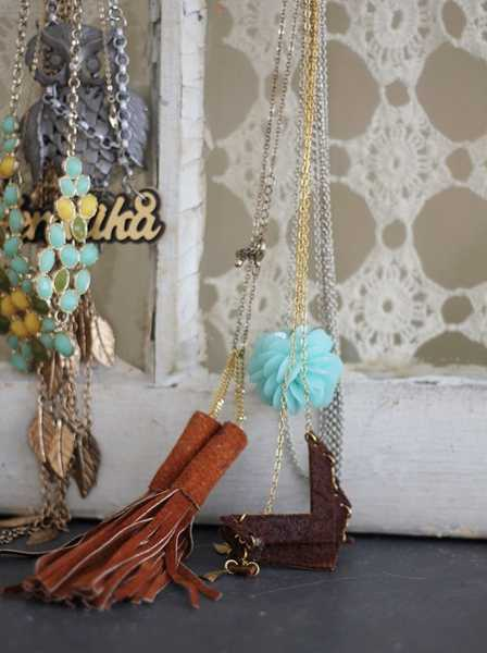 lace and crochet designs for creating bedroom organizer for jewelry