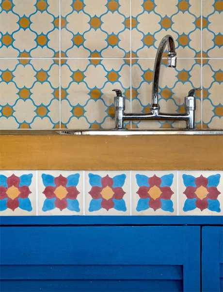 mosaic tiles and kitchen backsplash design with ethnic pattern