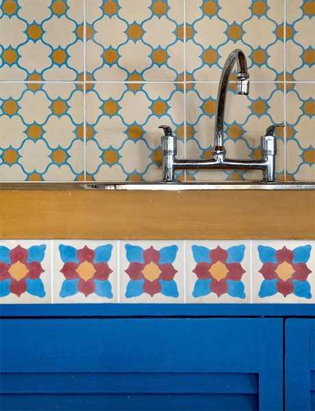 mosaic tiles and kitchen backsplash design with ethnic pattern