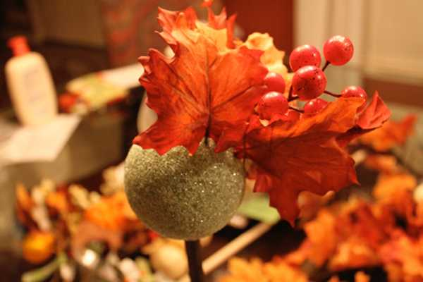 how to make decorations and table centerpieces with leaves