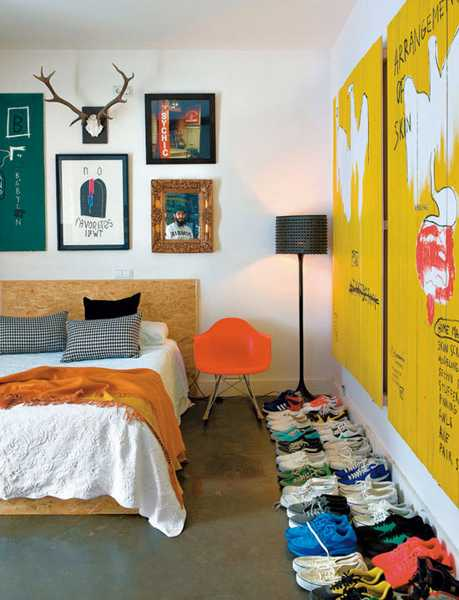 yellow accent wall design for small bedroom decorating