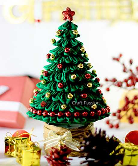 green christmas tree made with fabric and beads
