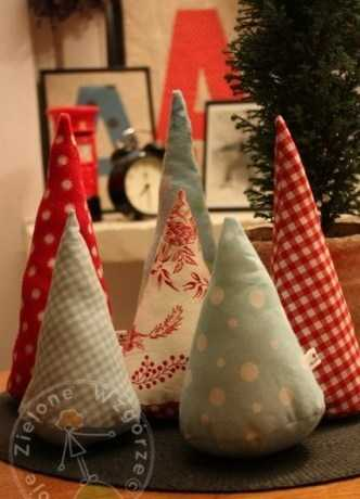 fabric christmas trees for table centerpieces