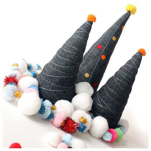 handmade christmas decorations, fabric christmas trees