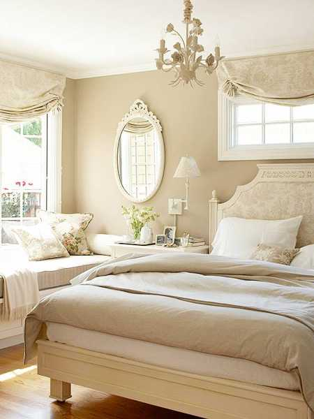 Small bedroom decorating ideas white bedding and walls blue bedroom