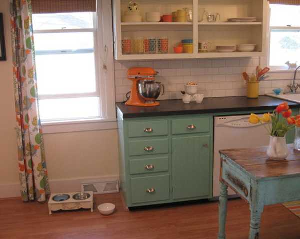 Retro Kitchen Design In White Turquoise And Orange Colors
