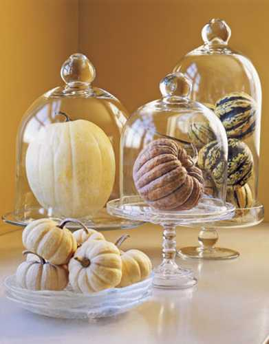 green and white gourds for thanksgiving table centerpieces