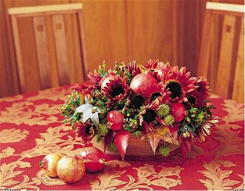 fall leaves and fruits for thanksgiving table centerpiece
