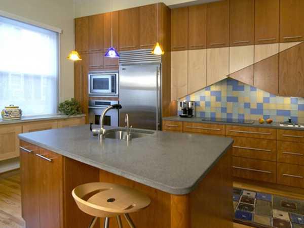 unique kitchen backsplash design and floor rug with geometric pattern