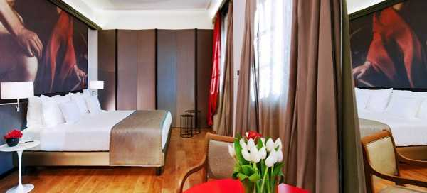 contemporary bedroom decorating with wall painting