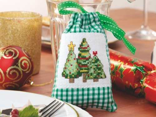 christmas gift bag with christmas tree embroidery in vintage style