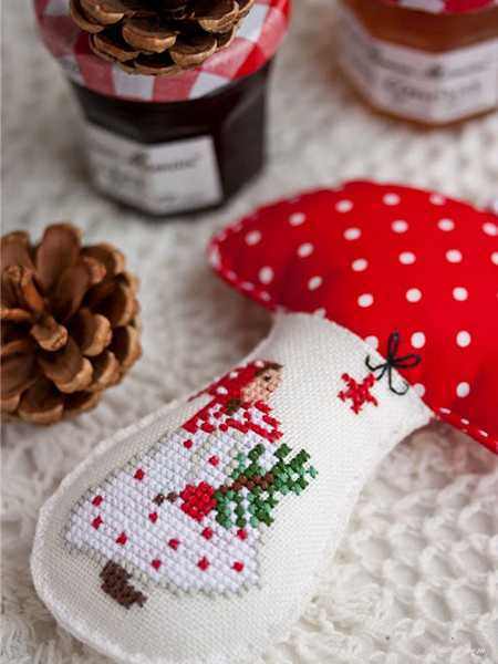 mushroom with christmas embroidery