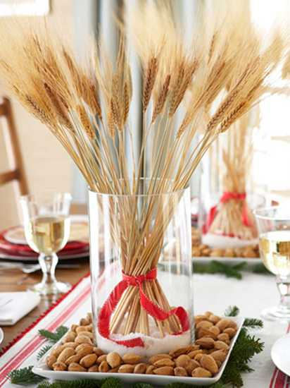 christmas table centerpiece with wheat heads