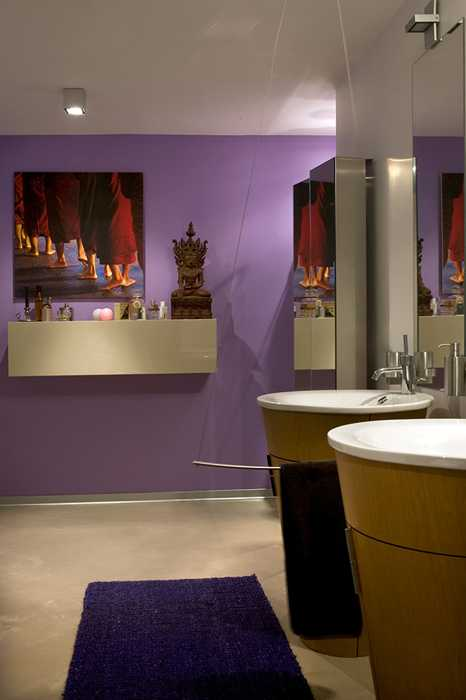 purple wall paint color for bathroom decorating