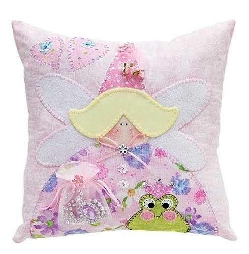 10 creative fabric appliques transforming plain decorative pillows