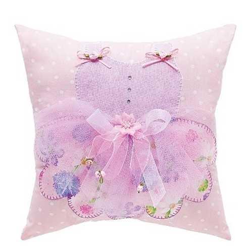 Throw Pillow Fabric Ideas : 10 Creative Fabric Appliques Transforming Plain Decorative Pillows