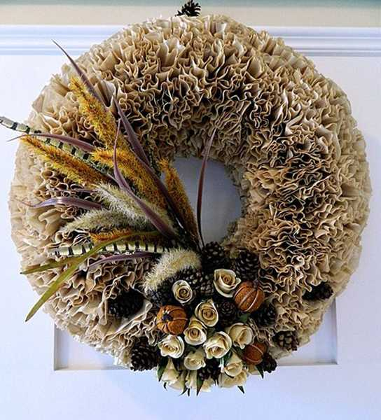 making wreaths with dried flowers