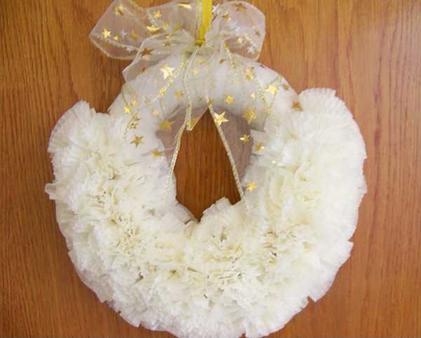 white wreath with stars