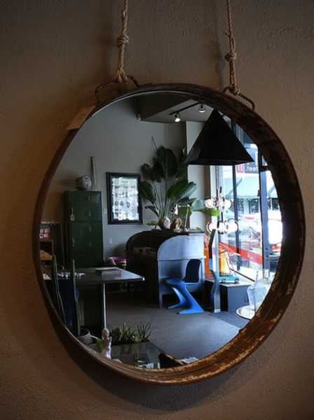round wall mirror with jute rope