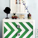 zigzags in white and green colors