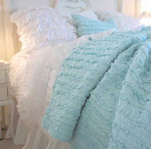 Textured Bedding Sets Add Flair And Charm To Bedroom