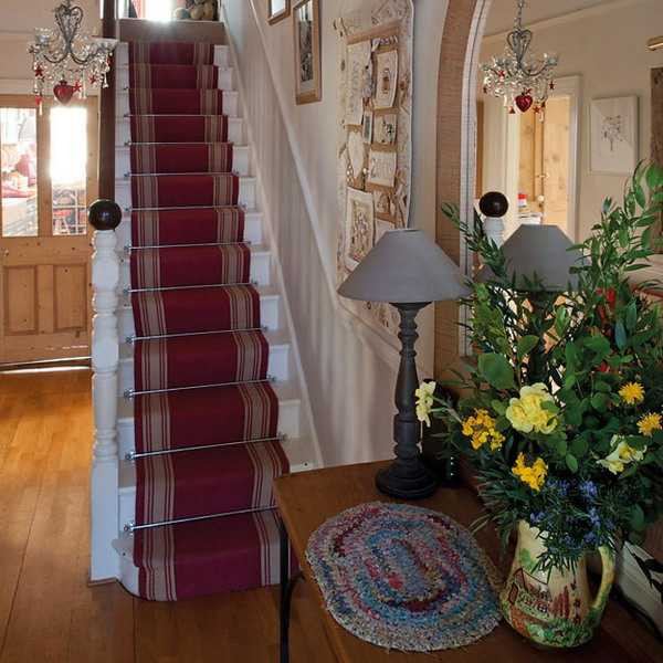 staircase and console table decorating vintage style