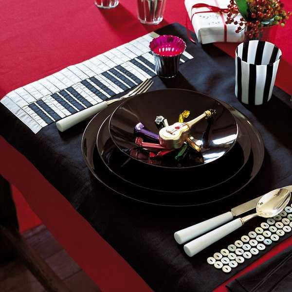 piano table decor