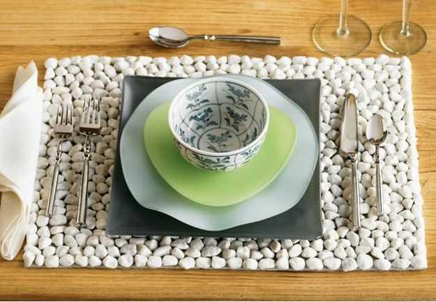 white pebbles placemat