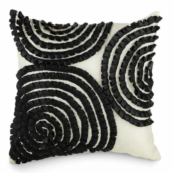 accent pillow with black circles