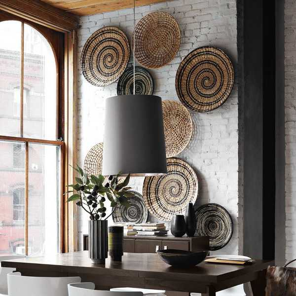 Large wicker plates for wall decorating in dining room