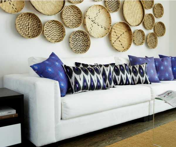 accent wall decorating with wicker plates