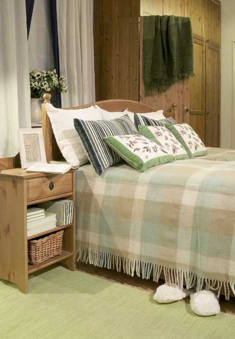 country home bedroom decorating