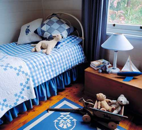 bedroom decorating in blue color