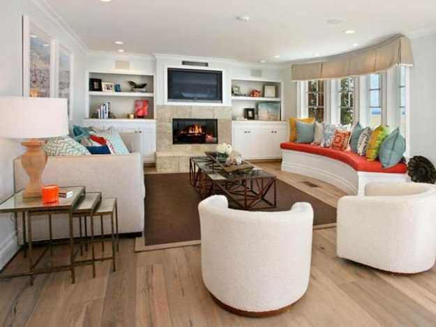 white living room decorating with colorful accents