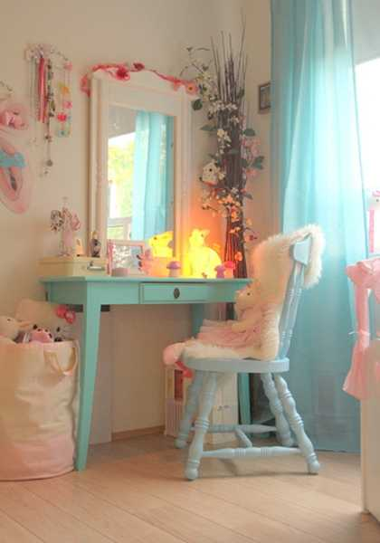 dressing table and chair in light blue color