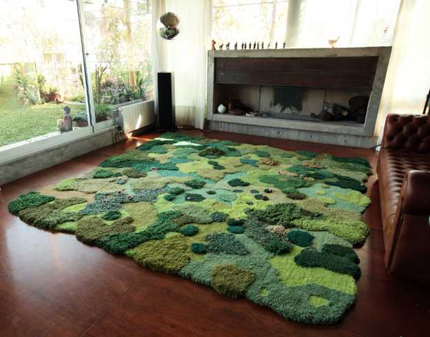 room decorating with green rug