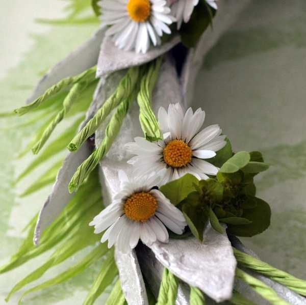 white flower wreath recycling eggs packaging