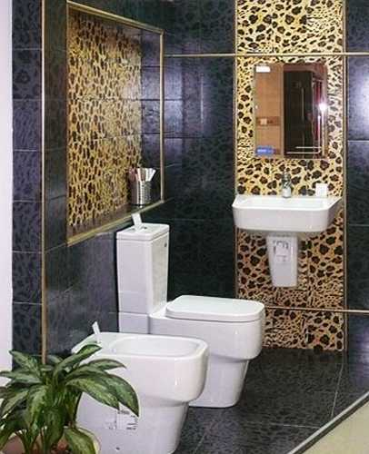 bathroom decorating with animal print