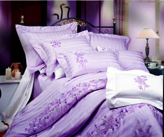 light purple and white bedding set