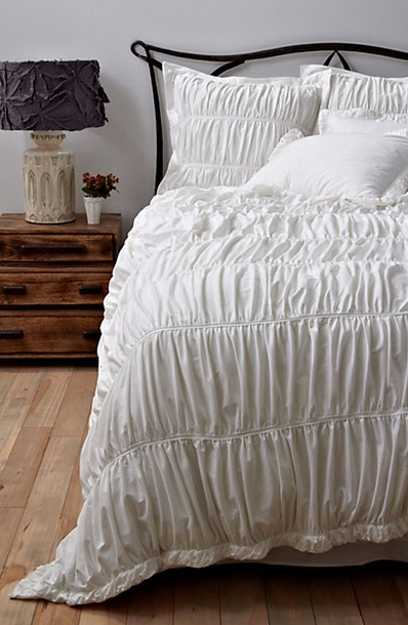 textured white bedding set