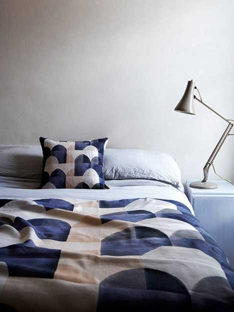 blue and white bedding set