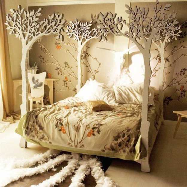 bedroom decorating with tree post bed and wall painting