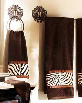bathroom decorating with zebra prints
