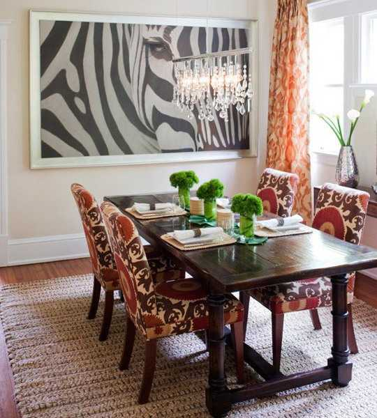 Black and white dining room decorating with zebra prints for Black n white dining rooms