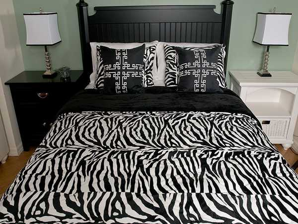 bedding set with zebra print
