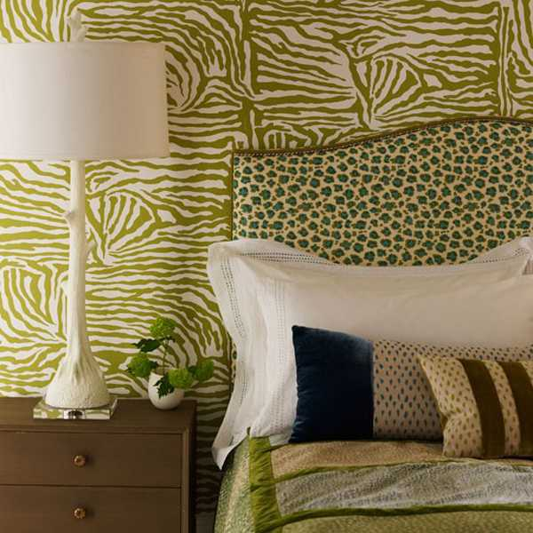 green wallpaper with zebra stripes