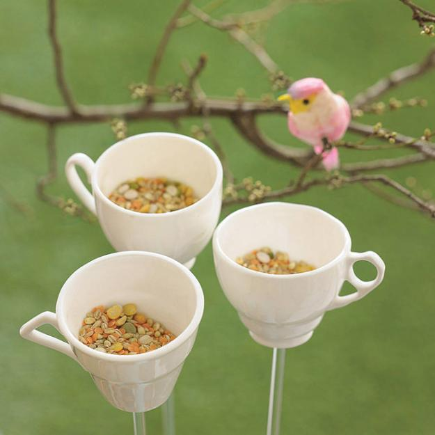 bird feeders made with tea cups
