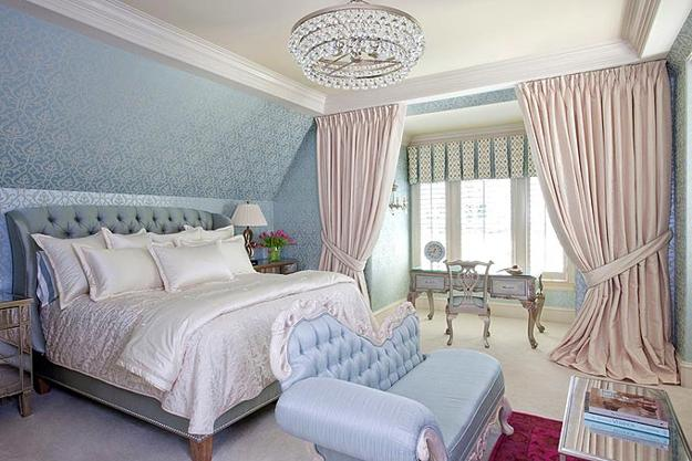 light blue bedroom decor in vintage style