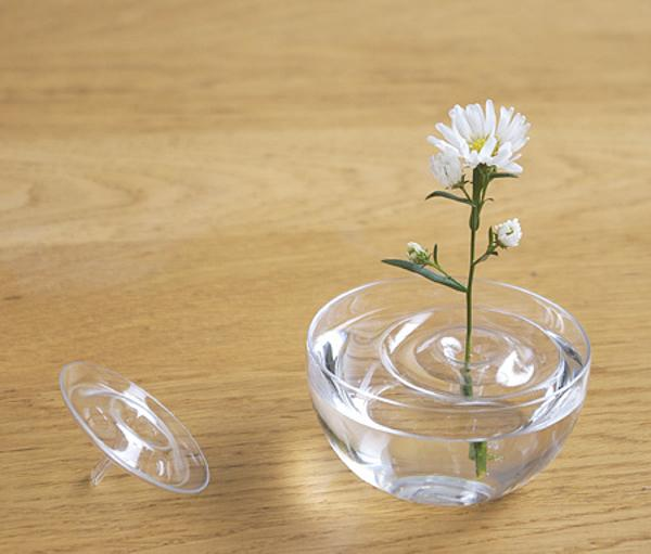 Invisible ripple vases for floating flower arrangements