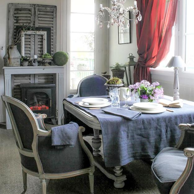 French style dining room decorating with vintage furniture and gray-red color combination
